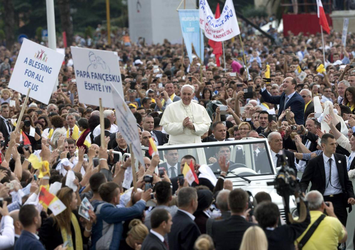 Papež František v Albánii