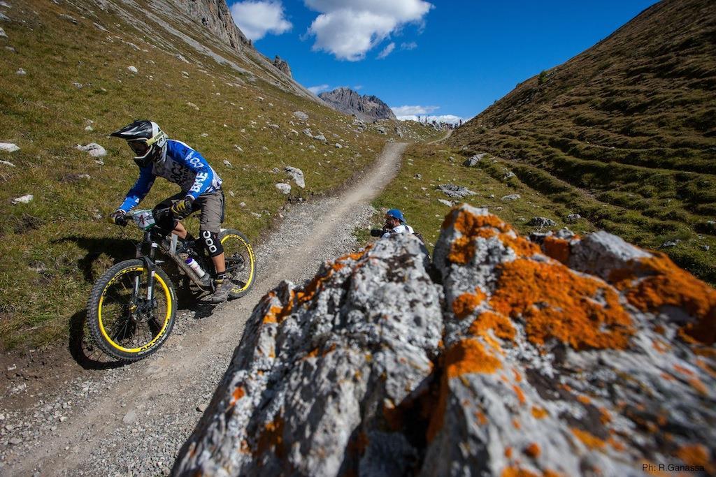 Biker v pohoří Livigno