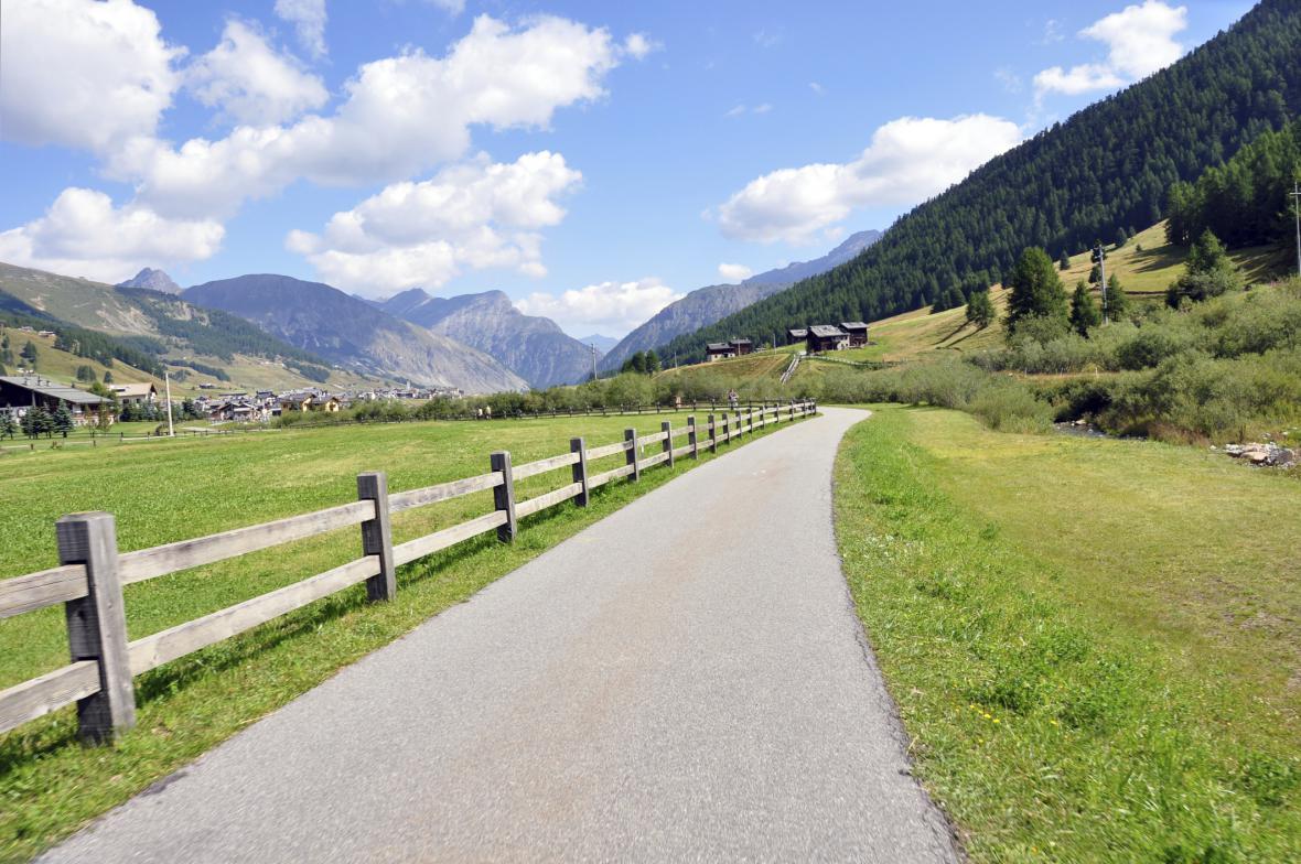 Cyklostezka v údolí Livigna