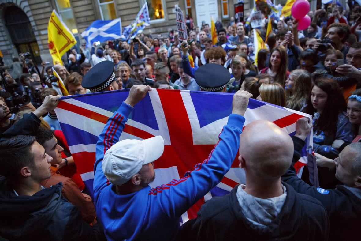 Unionisté slaví setrvání Skotska pod britskou střechou