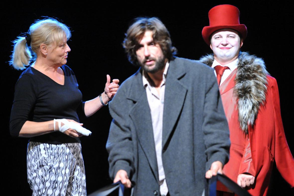Inscenace Mrtvé duše v Městském divadle Brno