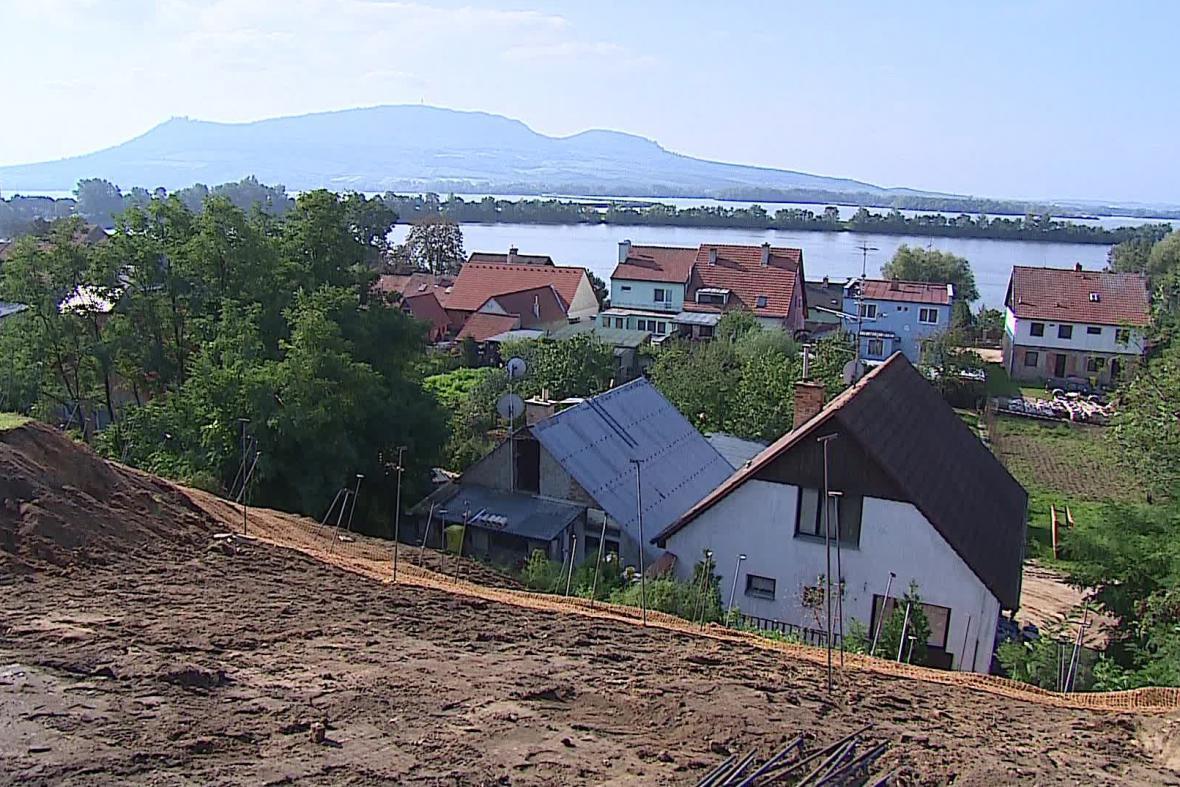 Sesuv svahu ve Strachotíně na Břeclavsku