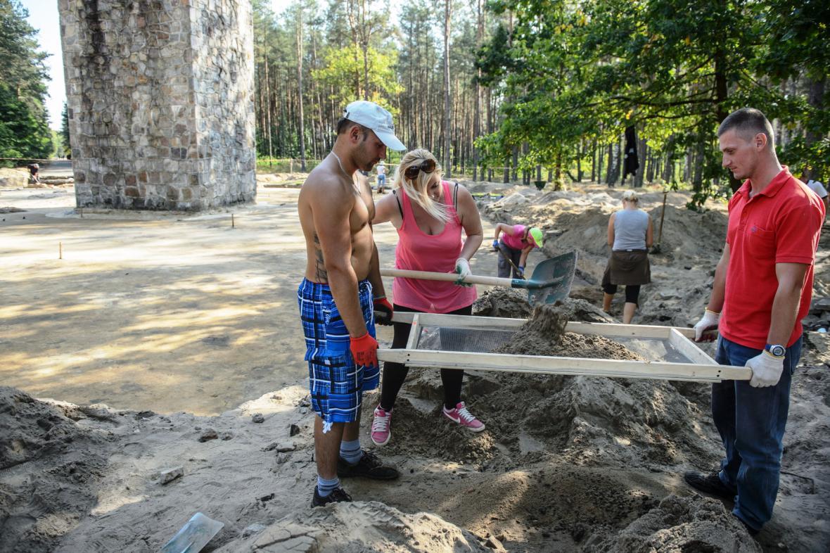 Archeologové v Sobiboru