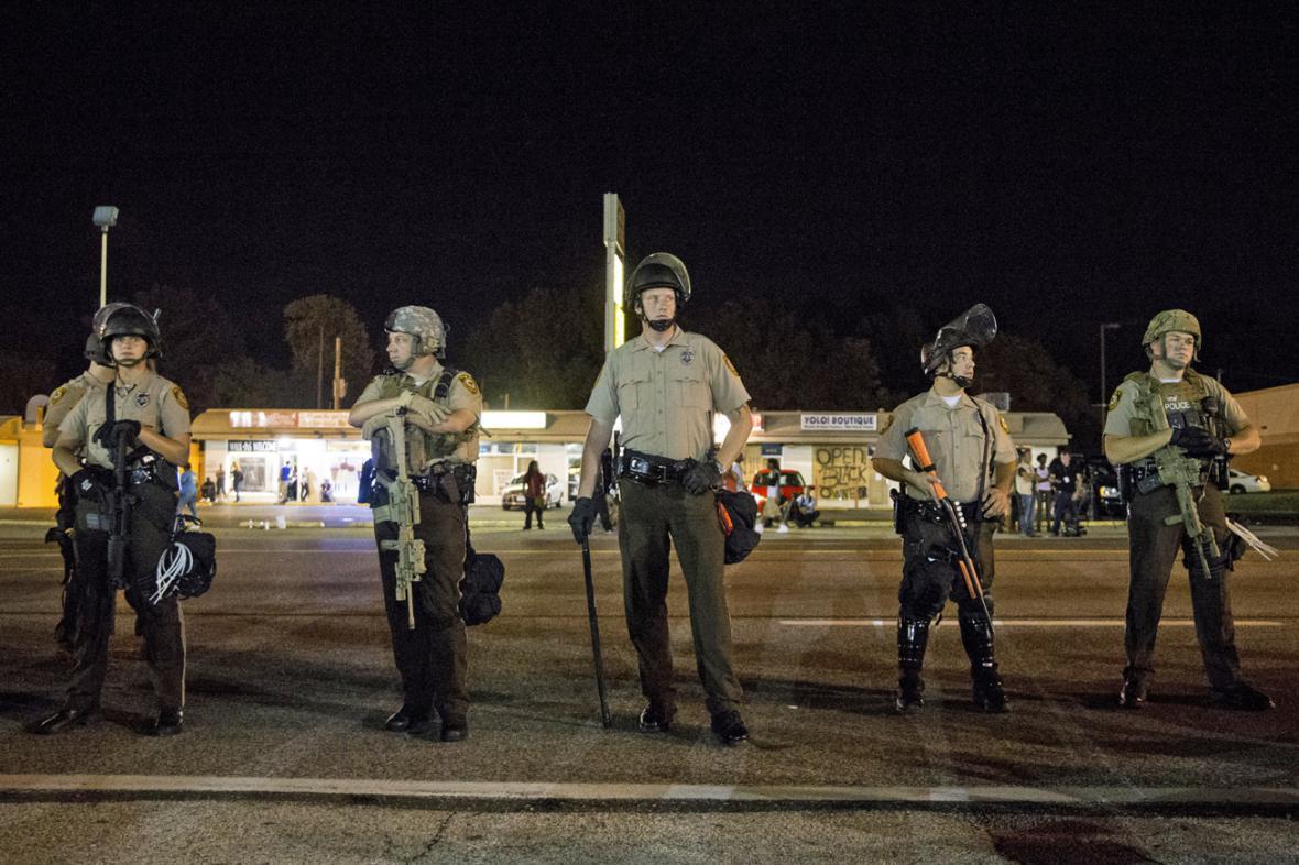 Policisté ve Fergusonu