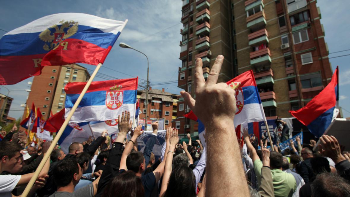 V Kosovské Mitrovici se protestovalo proti dohodě Srbska s Kosovem