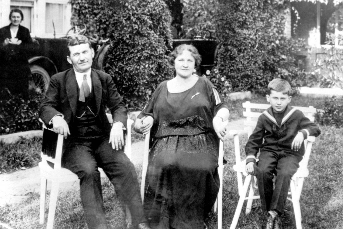 Tomáš Baťa s manželkou a synem
