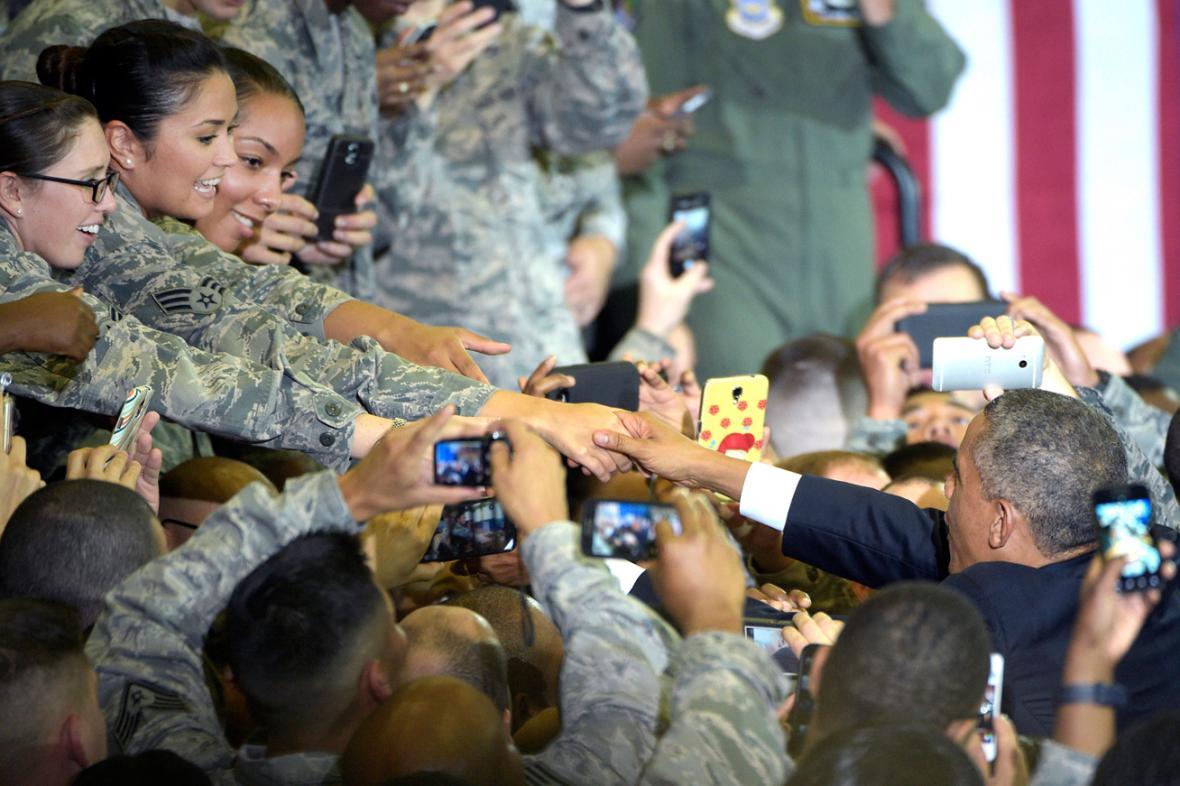 Obama se setkal s vojáky ve floridské Tampě