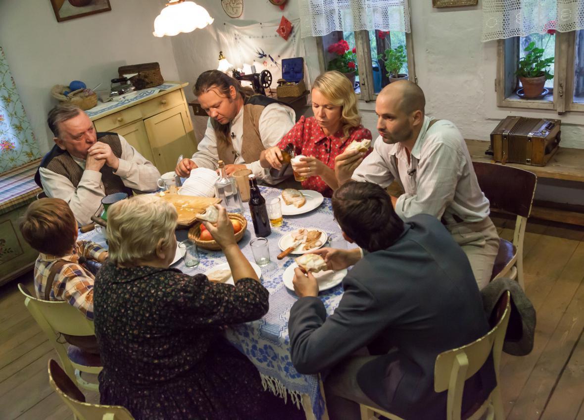 První společná večeře...