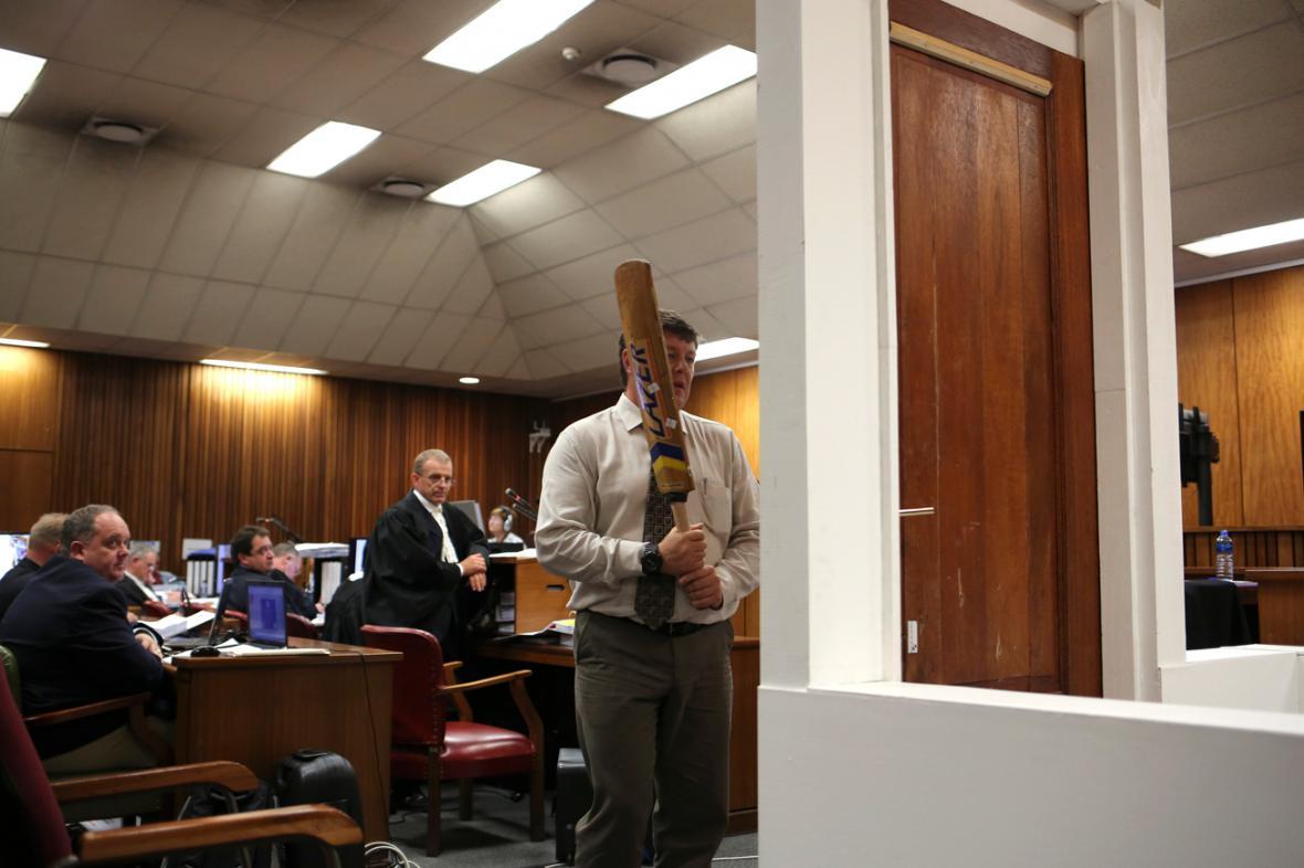 Rekonstrukce osudné noci při procesu s Oscarem Pistoriusem