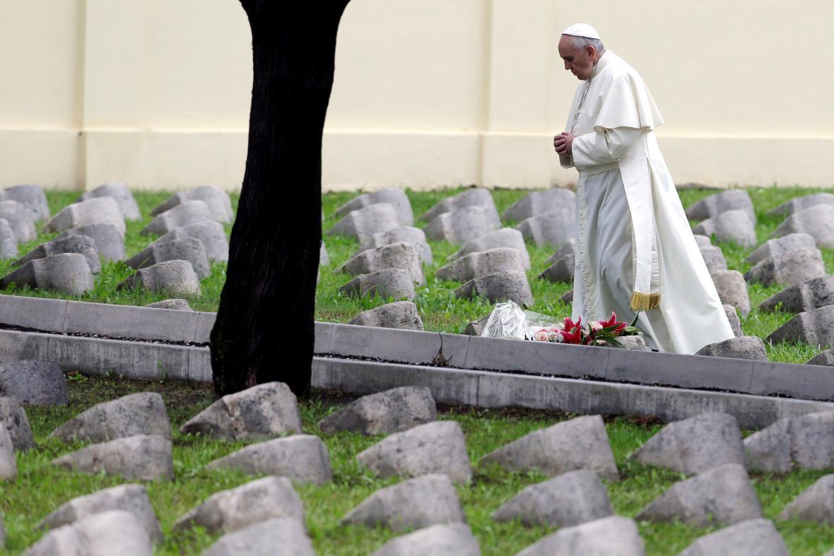 Papež František uctil padlé z 1. světové války