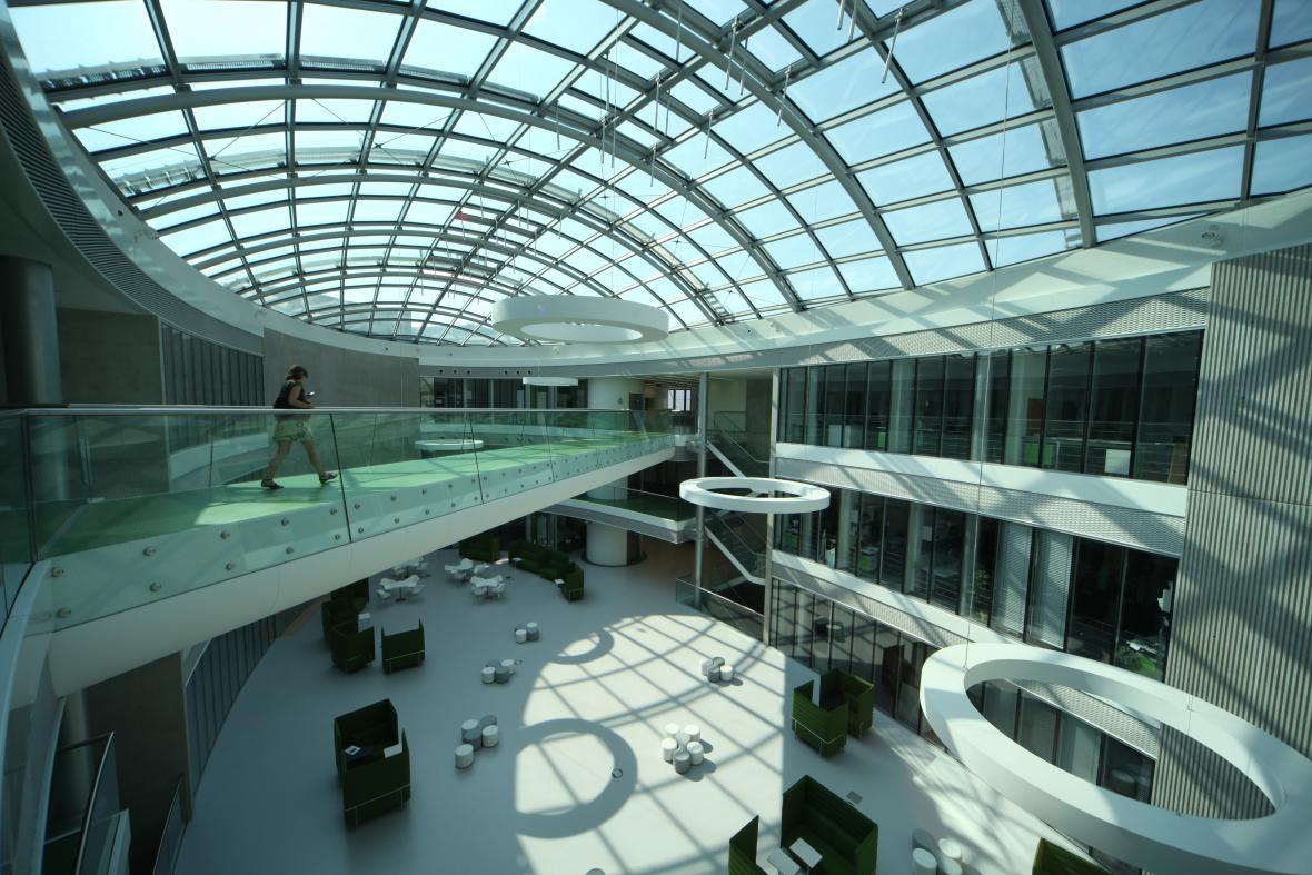 Středoevropský technologický institut CEITEC v kampusu MU
