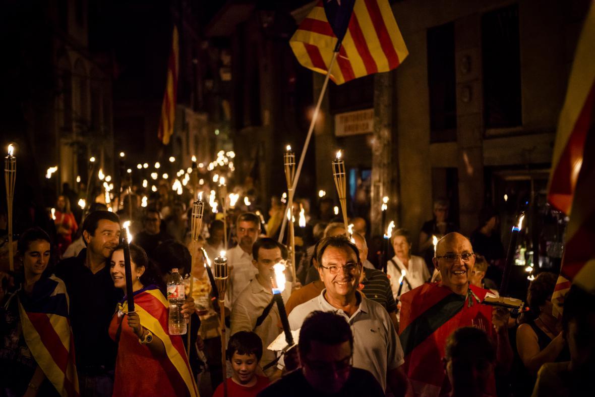 Procesí s pochodněmi vpředvečer národního katalánského svátku