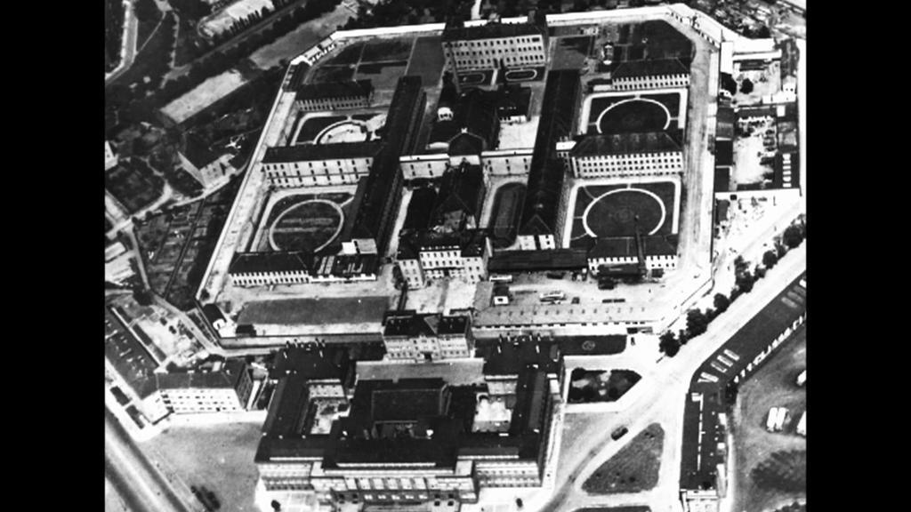 Pankrácká věznice na dobové fotografii