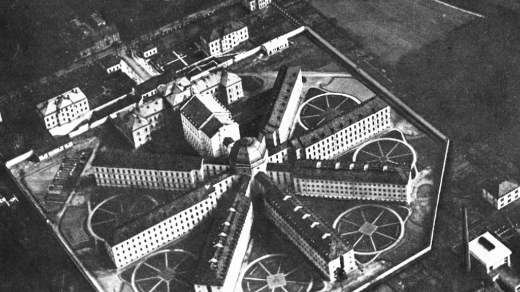Věznice Bory na dobové fotografii