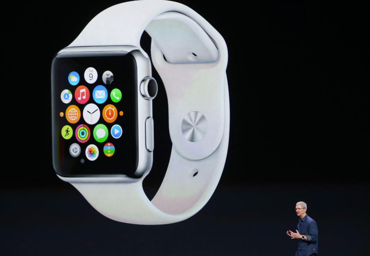 Tim Cook představuje chytré hodinky Apple Watch