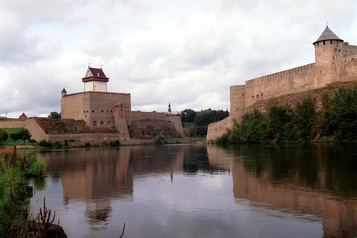 Estonsko-ruský hraniční přechod Narva