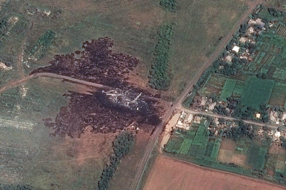 Letecký snímek místa havárie MH17