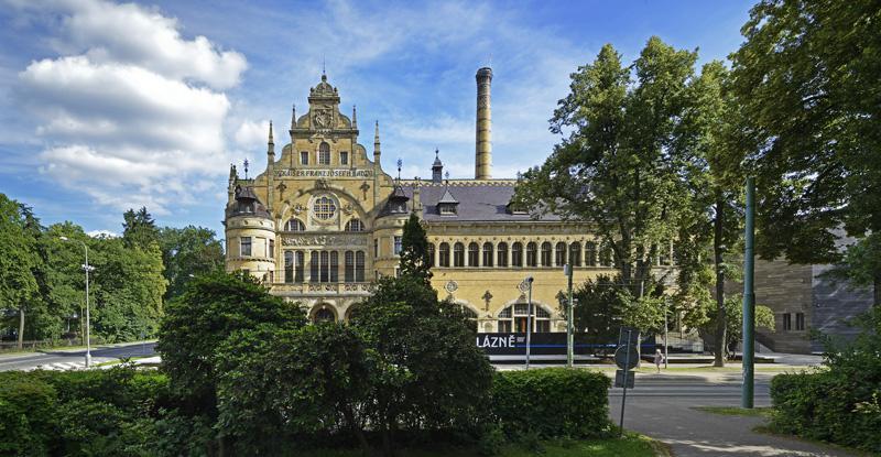 Revitalizace městských lázní na galerijní objekt Liberec