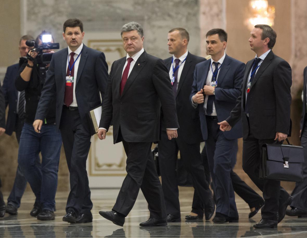 Petro Porošenko se svým týmem