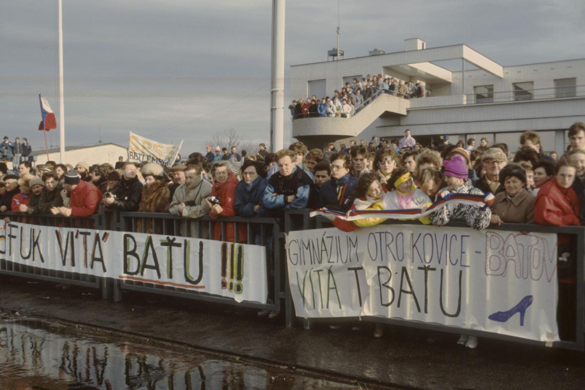 Průmyslník Tomáš Baťa přiletěl v prosinci 1989 do Prahy