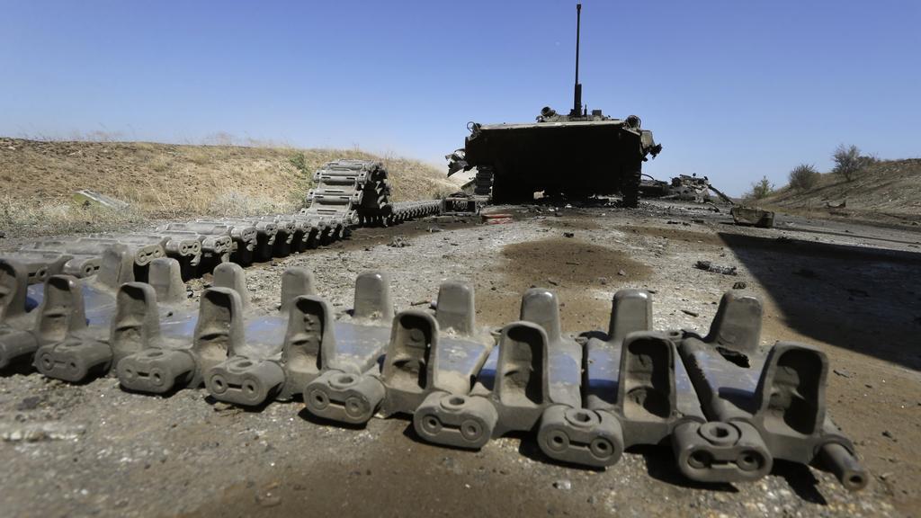 Zbytky zničeného ukrajinského tanku