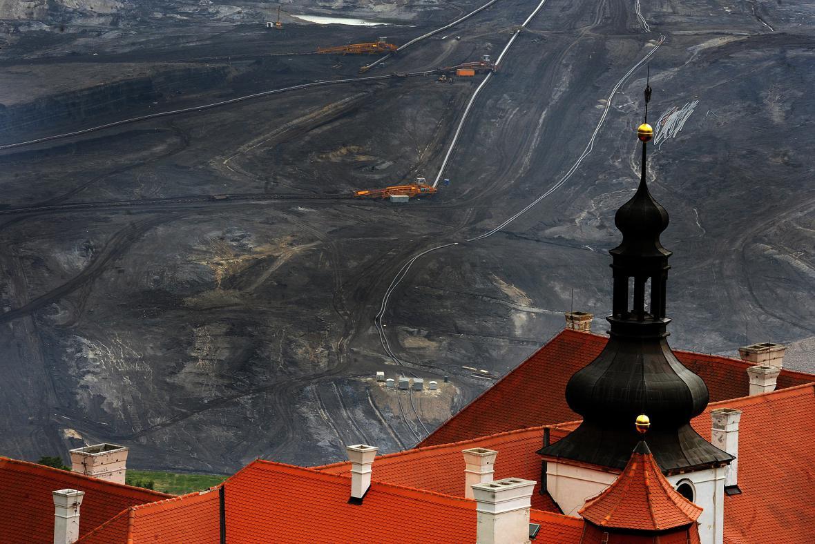 Těžba uhlí u zámku Jezeří