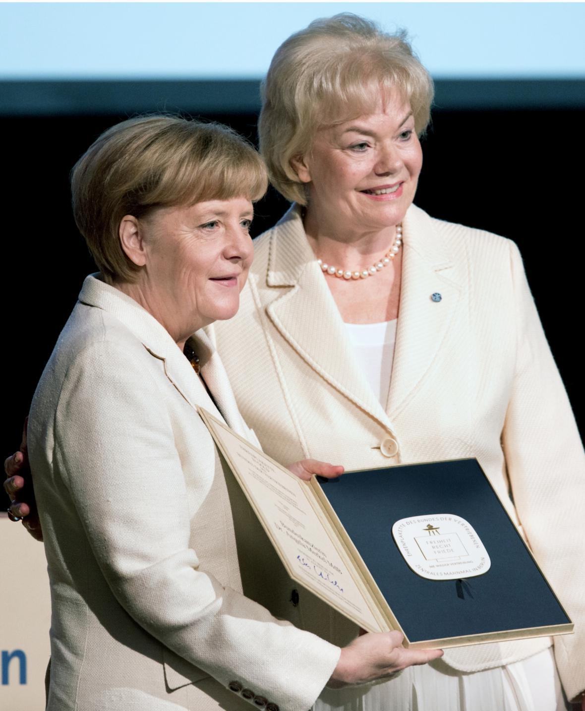 Svaz vyhnanců ocenil Merkelovou