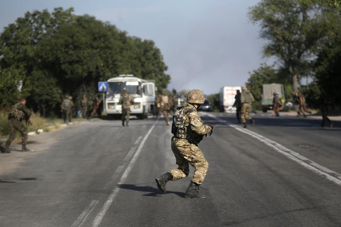 Ukrajinský voják na východě Ukrajiny
