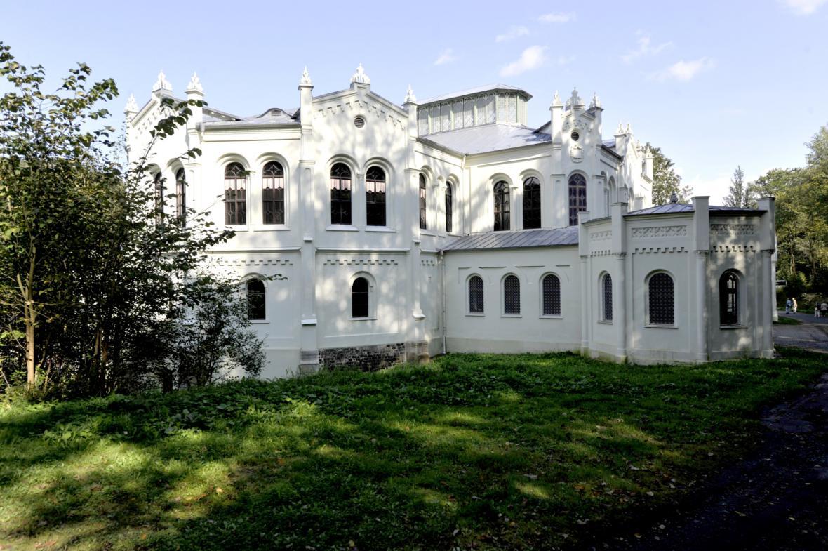 Novorománská jízdárna ve Světcích na Tachovsku