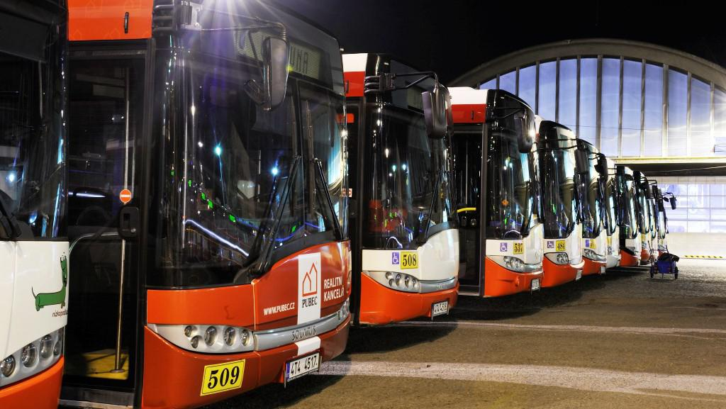 Autobusy MHD v depu