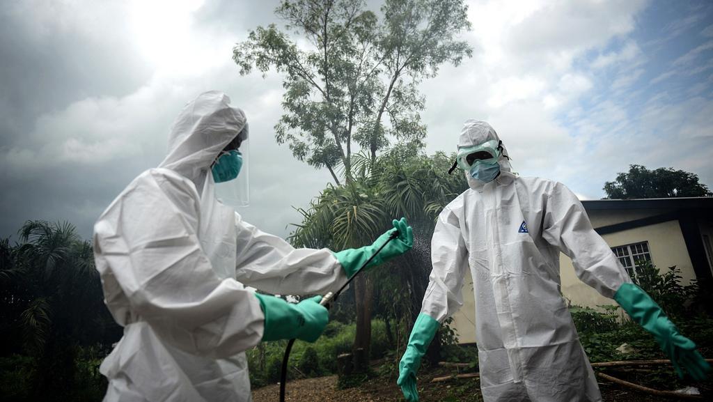 Epidemie eboly v západní Africe neutichá