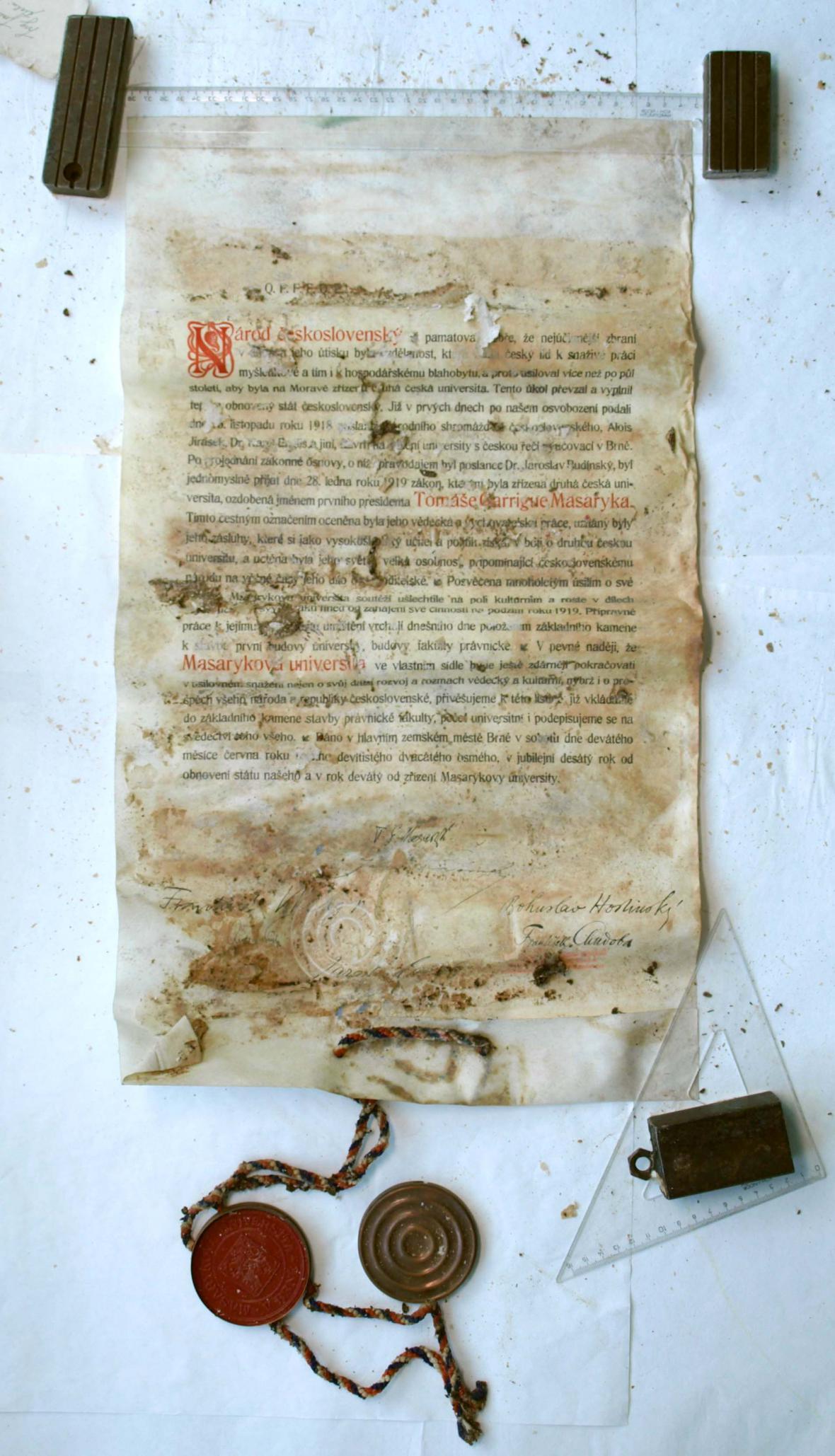 Zakládající listiny Masarykovy univerzity