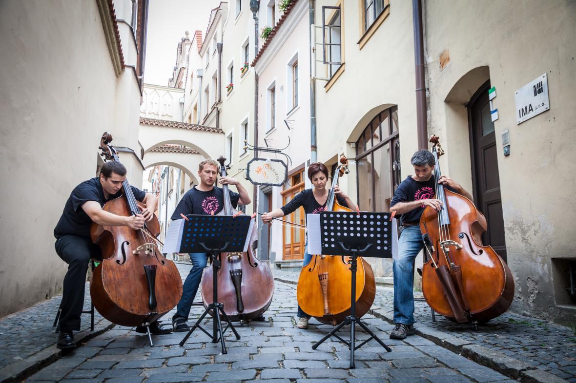 Filharmonici na ulici