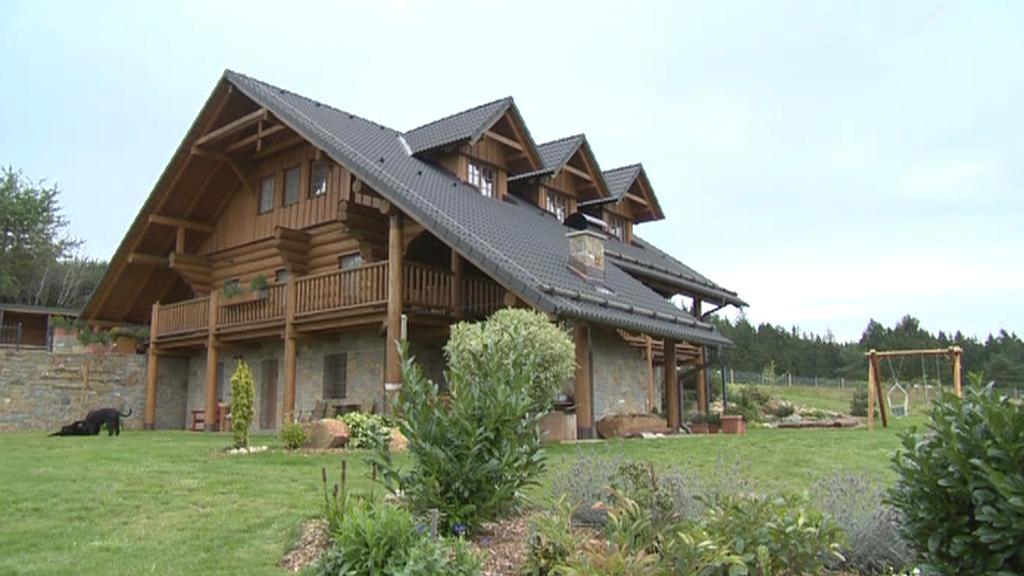 Češi stále častěji volí chalupy jako bydlení na důchod
