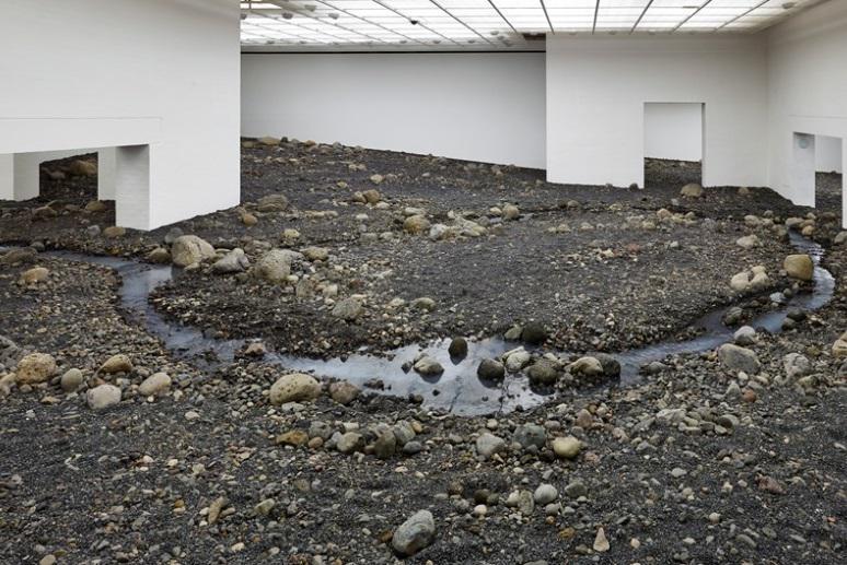 Olafur Eliasson / Říční postel