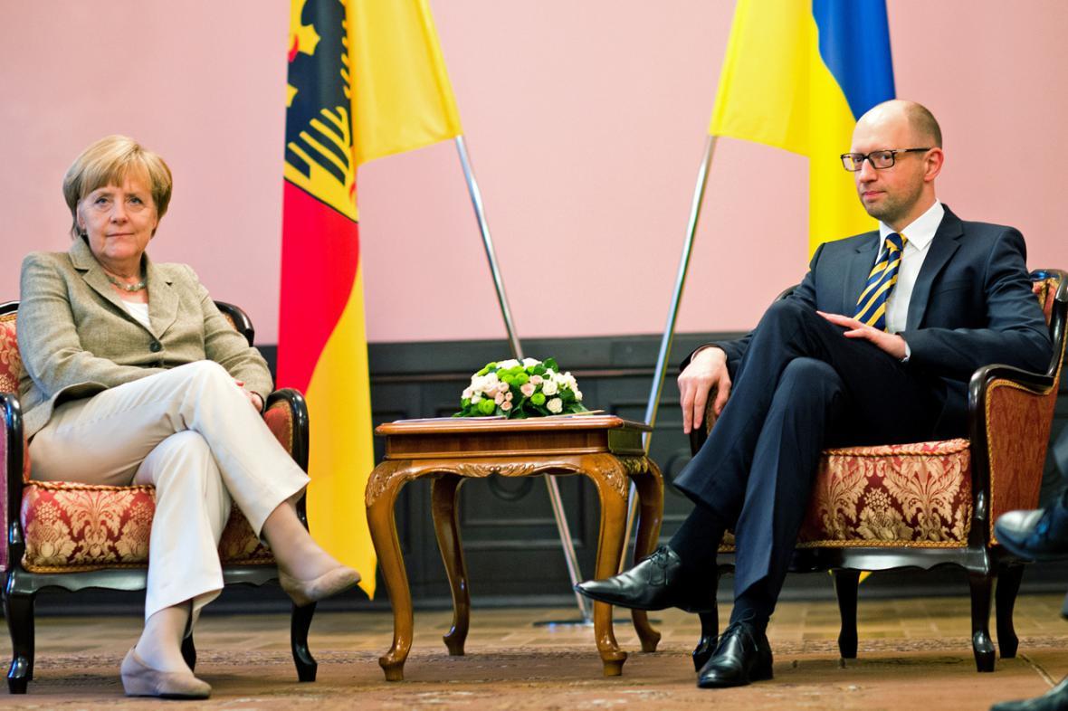 Angela Merkelová a Arsenij Jaceňuk