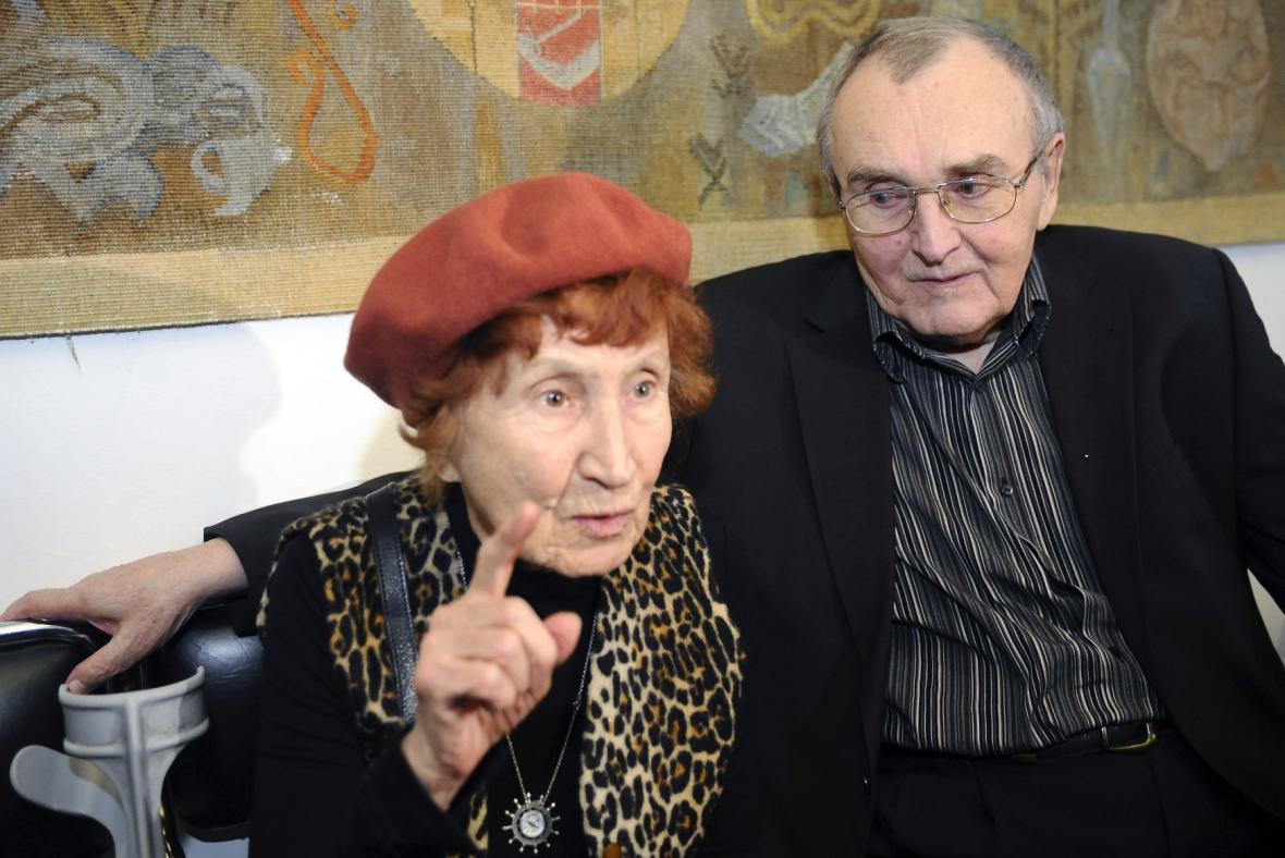 Bohumila Grögerová a grafik Zdeněk Sýkora