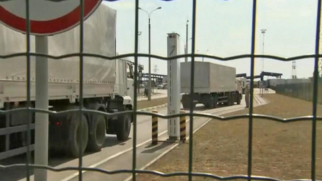 Ruské kamiony s humanitární pomocí přejely hranici na Ukrajinu