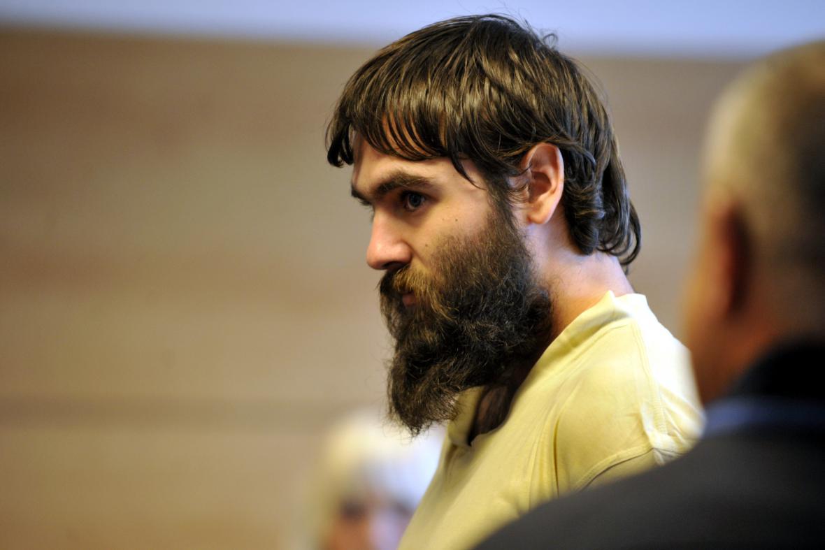 Muž obviněný z experimentování s léky