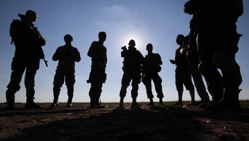 Ukrajinští vojáci před Luhanskem
