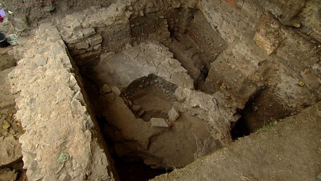 Základy nově objeveného kostela na pražském Vyšehradě