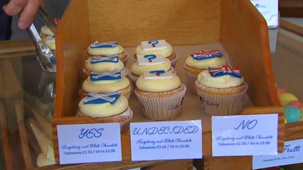Dortíkové referendum v edinburské cukrárně