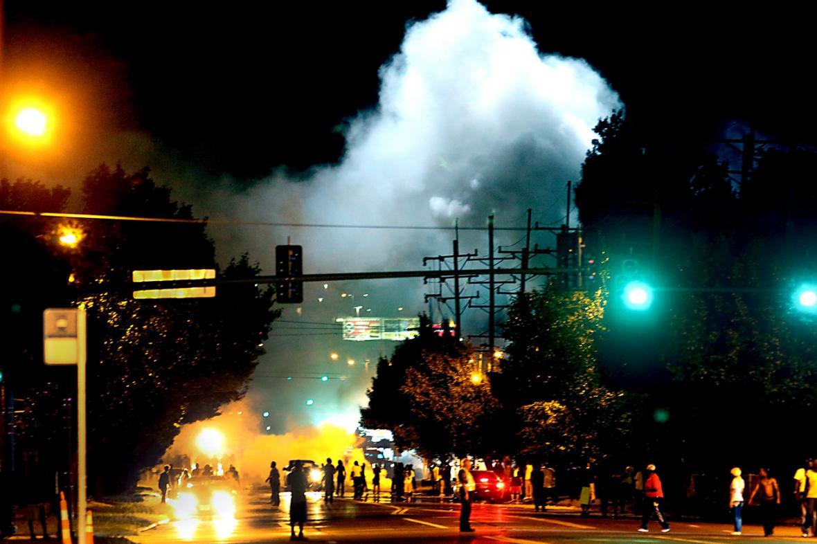 Noční nepokoje ve Fergusonu