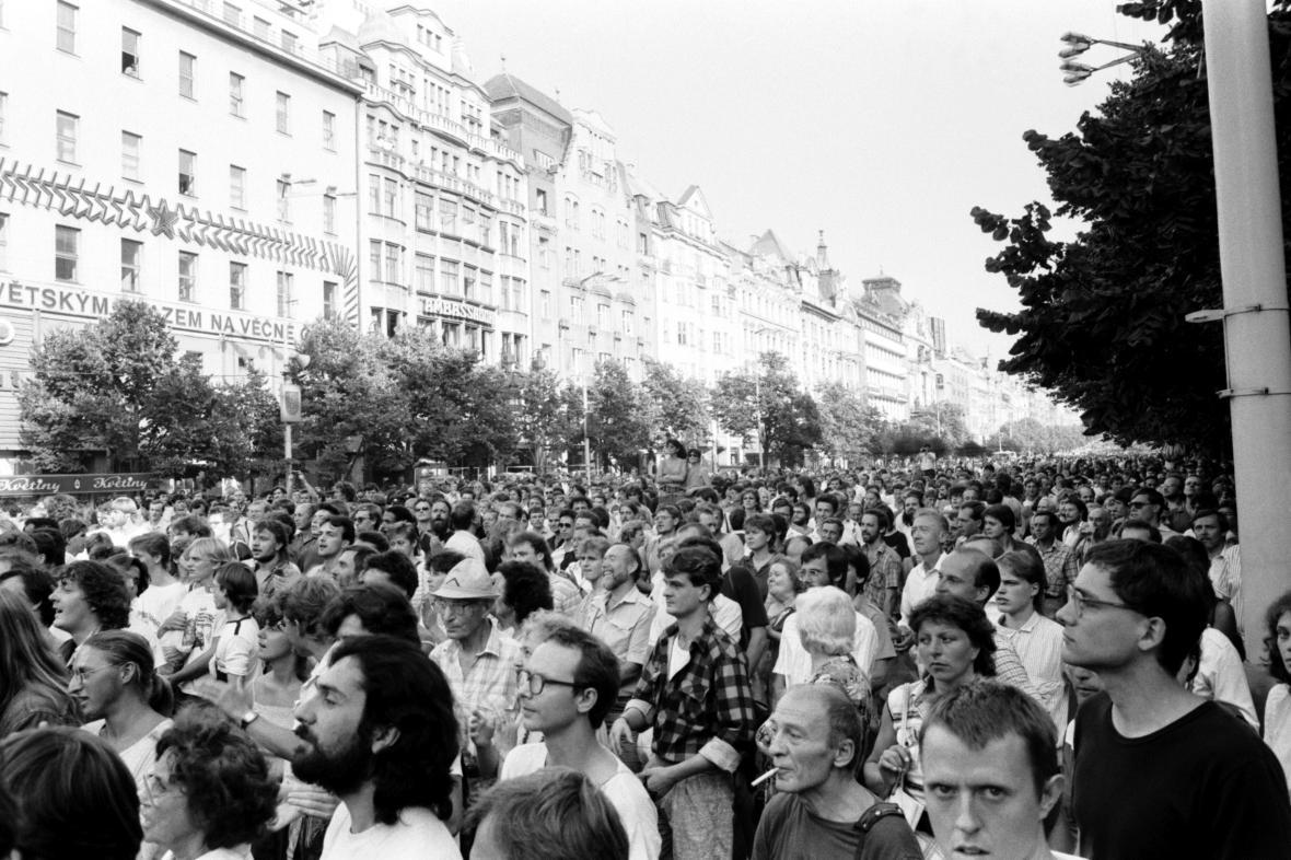 Shromáždění na Václavském náměstí 21. srpna 1989