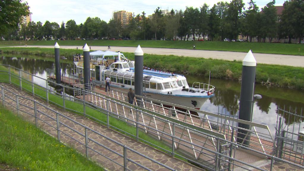 Výletní loď na Vltavě