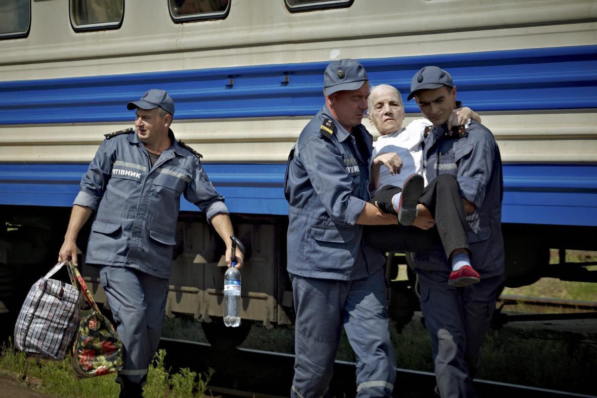 Evakuace obyvatel Luhanska