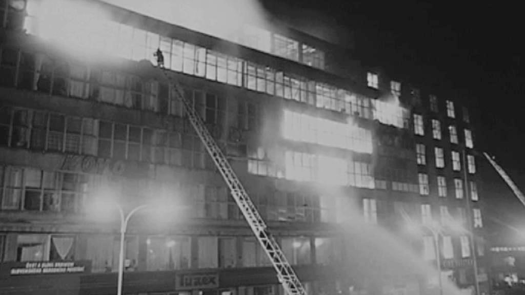 Požár Veletržního paláce v roce 1974