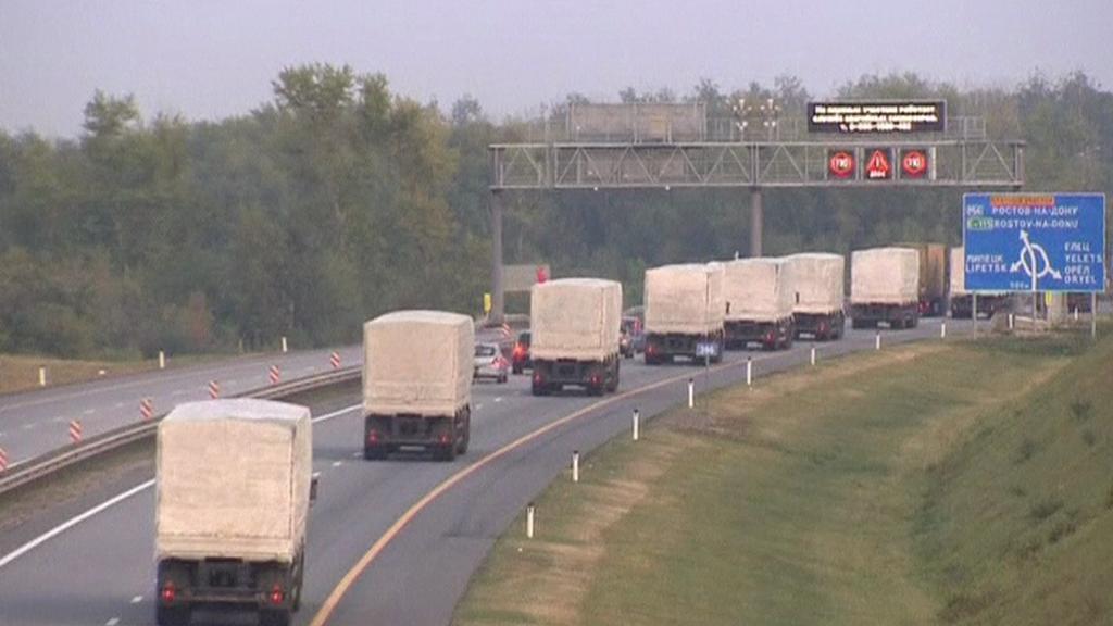 Nekonečná řada ruských kamionů