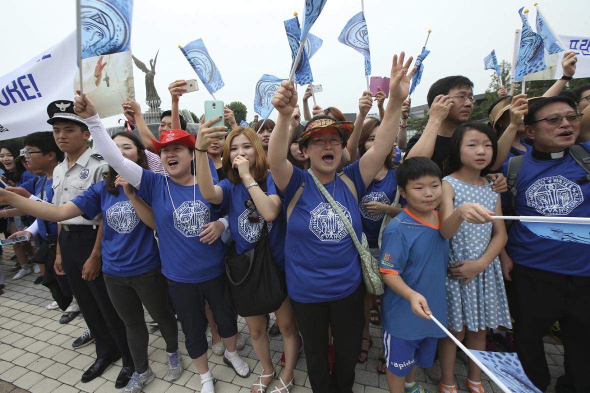 Jihokorejci vítají papeže Františka