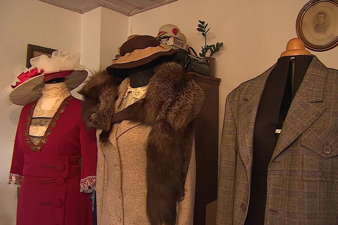Historické kostýmy
